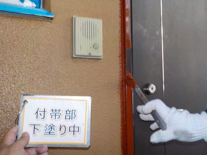 玄関窓枠塗装②