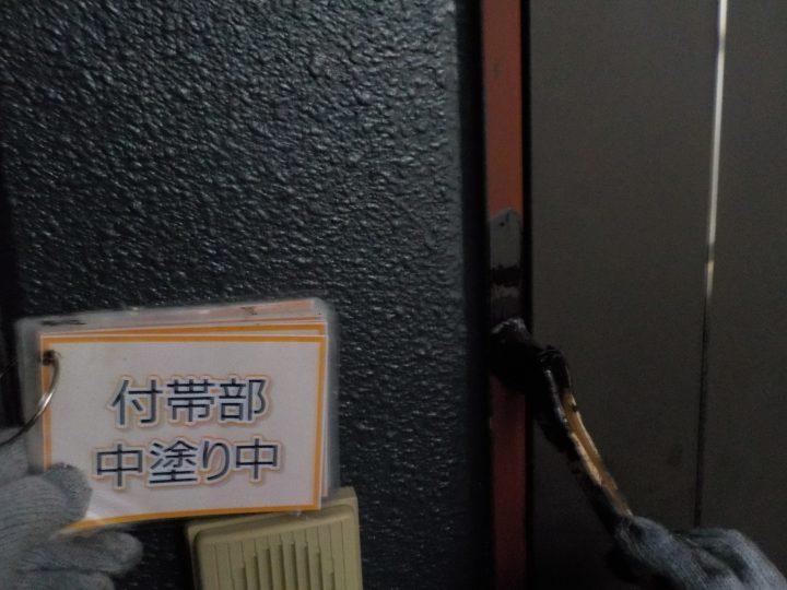 玄関窓枠塗装③