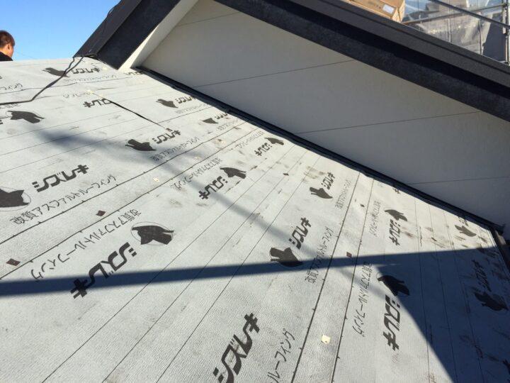 屋根カバー工法①